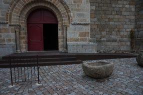 Rampe d'accès à l'église de Champdieu