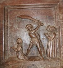 Portion de la châsse de saint Domnin. Milieu 15° siècle. Trésor des Prieurs. Eglise de Champdieu.